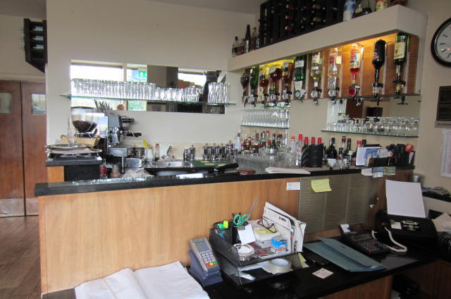 MAGNIFICENT LEASEHOLD OR FREEHOLD RESTAURANT  + 3X3 FLATS EALING W5