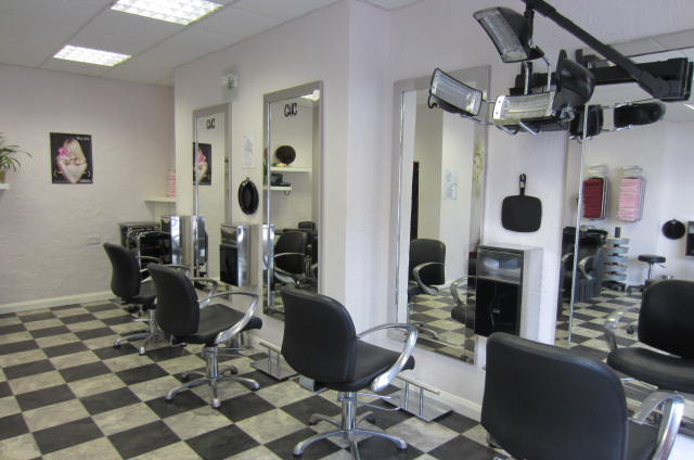 Hair beauty and barbers businesses online for 101 beauty salon