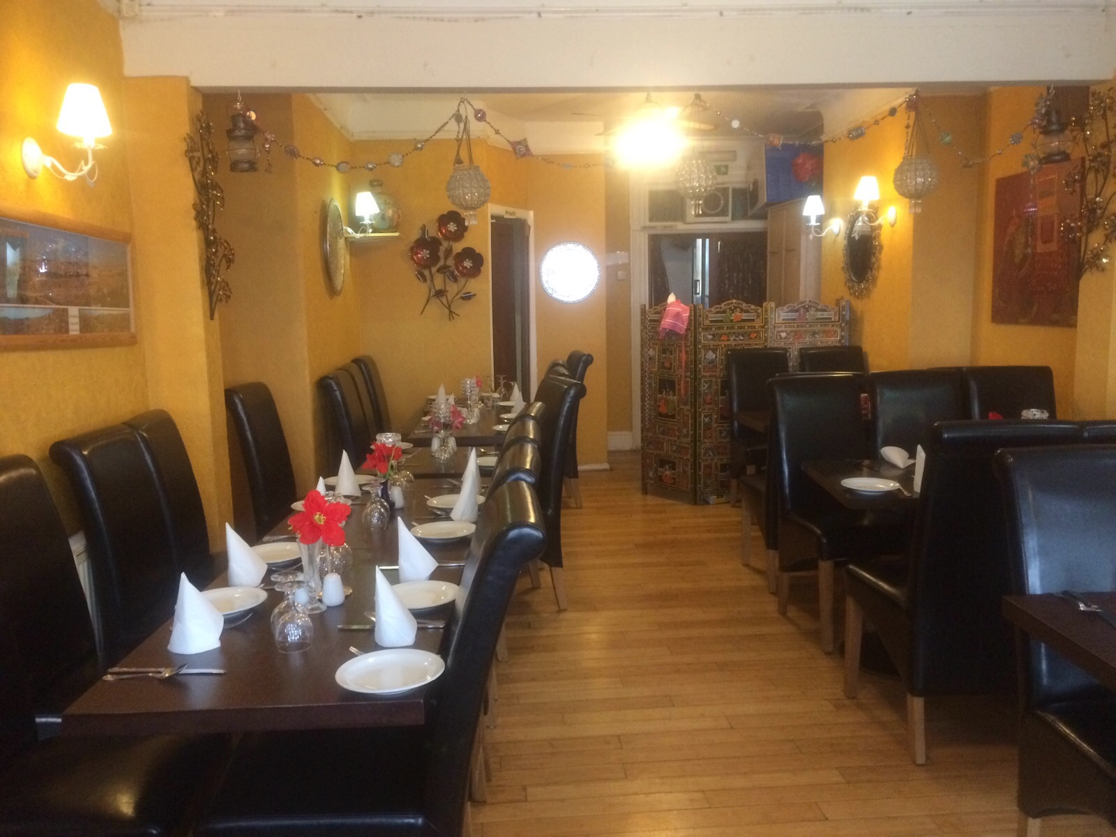 INDIAN RESTAURANT PLUS ACCOMMODATION IN COASTAL TOWN OF KENT.