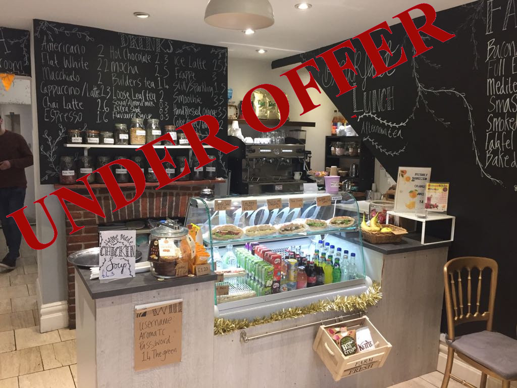 COFFEE SHOP WITH ACCOMMODATION OVERLOOKING PARK, N21