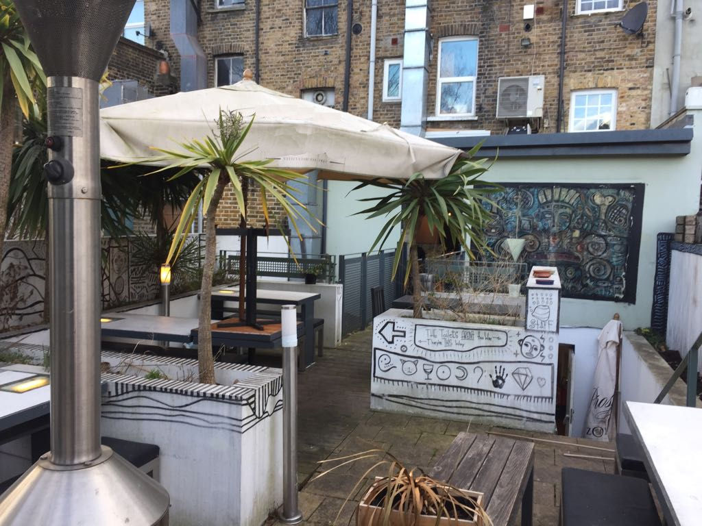 VACANT FULLY EQUIPPED RESTAURANT WITH ACCOMMODATION, EAST DULWICH, SE22